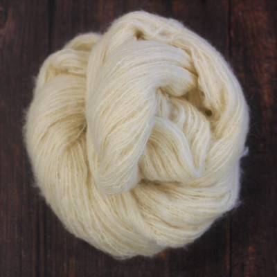 Natural Fluff - 38% alpaca 25% merino 37% Pima Cotton -...