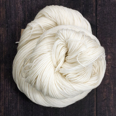 Quarter Round -100% Superwash Merino Wool - 100g - 400m